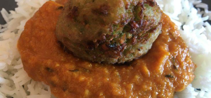 Kofta de col amb salsa de tomàquet i arròs/Patta-gobi ke kofte