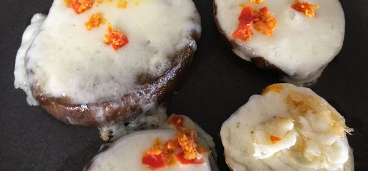 "Albergínies amb mozzarella i ""kosho"" de yuzu"