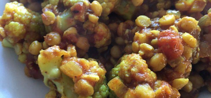 Bròquil i cigrons partits al curry especiat