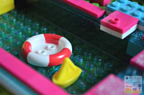 Mega Bloks Build 'n Play Chelsea Pool Party - Pool