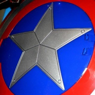 Captain America Avengers Attack Shield - Missile launcher