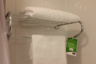 Warwick Premier Inn - Towels