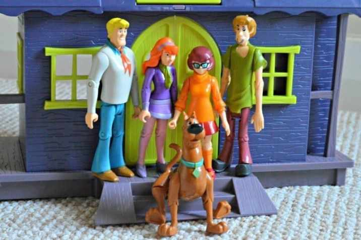 Scooby Doo Mystery Solving Crew Action Figures 5 Pack