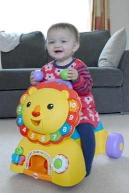 Fisher-Price 3-in-1 Sit, Stride & Ride Lion - Sitting Piglet