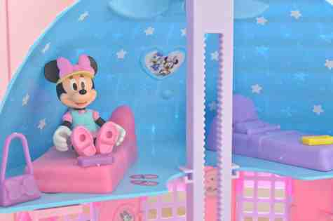 Minnie Mouse's Happy Helpers House and Office - Bedroom