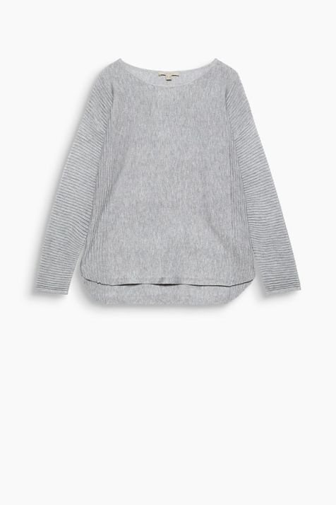 Casual jumper with beautiful ribbed details