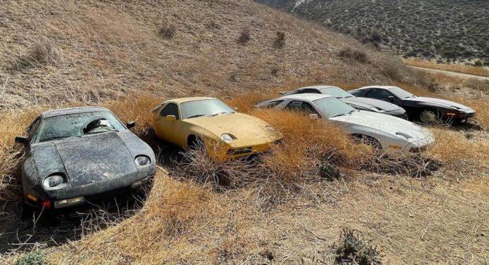 På en mark i Californien står 13 meget tydelige eksemplar på, at 'ingen' elsker Porsche 928