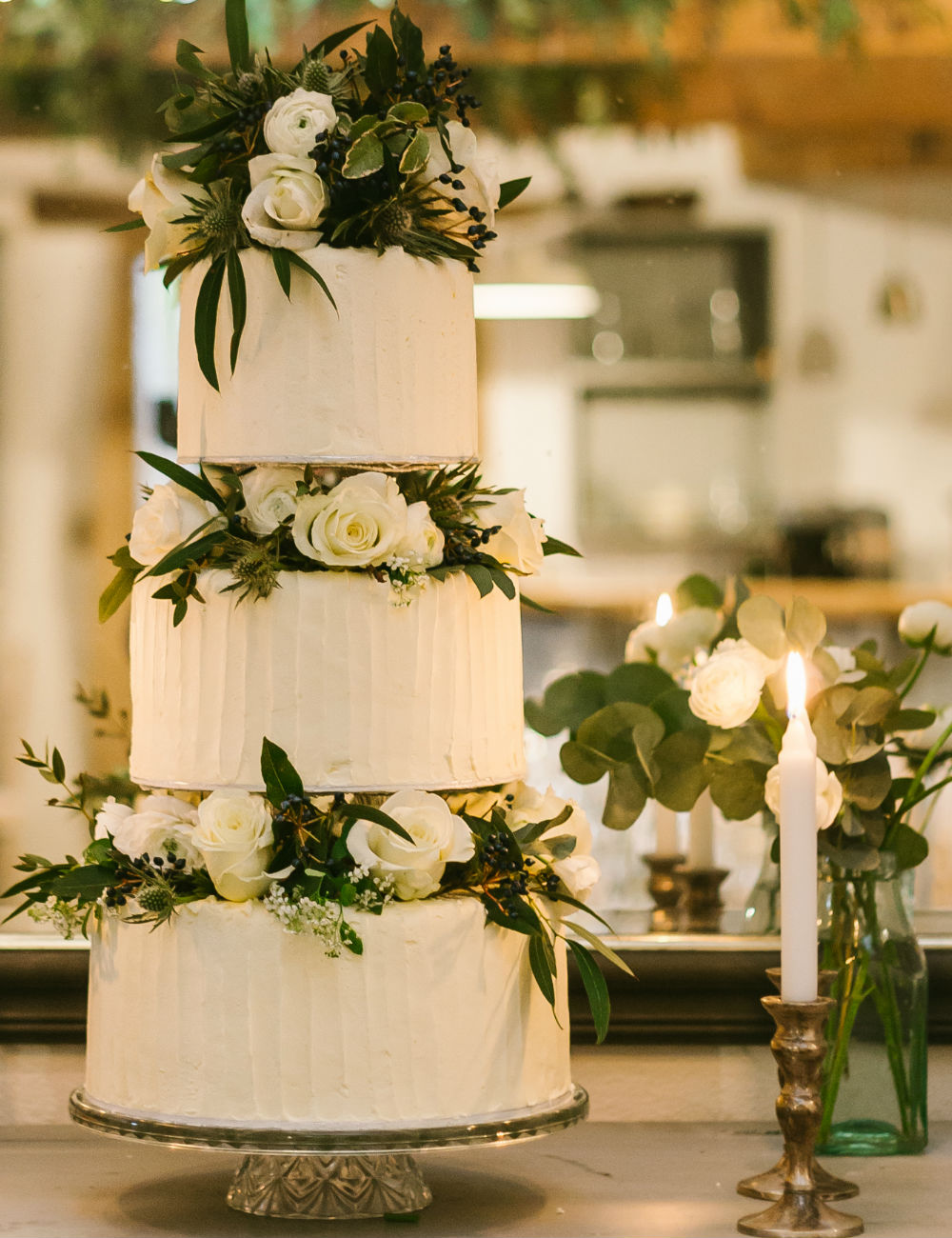 Rustic and luxury wedding cakes made in Tavistock Devon | Boo To A Goose