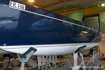 Ankunft einer Latitude 46 Tofinou 9.5 für die Neulackierung in der Bootswerft Baumgart in Dortmund