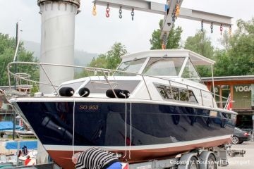 Chris Craft MX 25 Motoryacht am Zielhafen nach durchgeführtem Refit in der Bootswerft Baumgart
