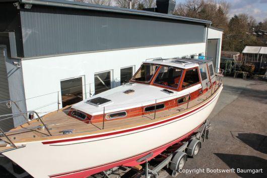 Vilm 106 Motorsegler nach dem Refit auf dem Werftgelände der Bootserft Baumgart in Dortmund
