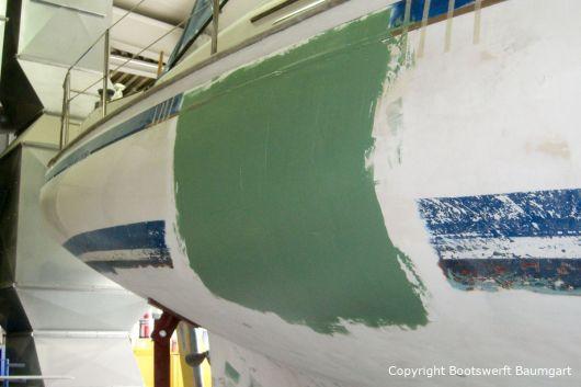 Reparatur einer Nab 32 Segelyacht in der Werfthalle der Bootswerft Baumgart in Dortmund
