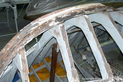 Skelett der Riva Ariston bei der Restauration in der Werfthalle der Bootswerft Baumgart in Dortmund