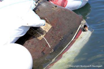 Heckspiegel der Riva Super Aquarama bei der Bergung durch die Bootswerft Baumgart
