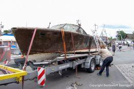 Verzurren der Riva Super Aquarama nach der Bergung auf dem Bootstrailer durch die Bootswerft Baumgart