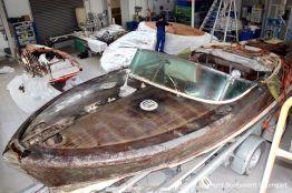 Riva Super Aquarama in der Werfthalle der Bootswerft Baumgart in Dortmund bereit zur Restauration