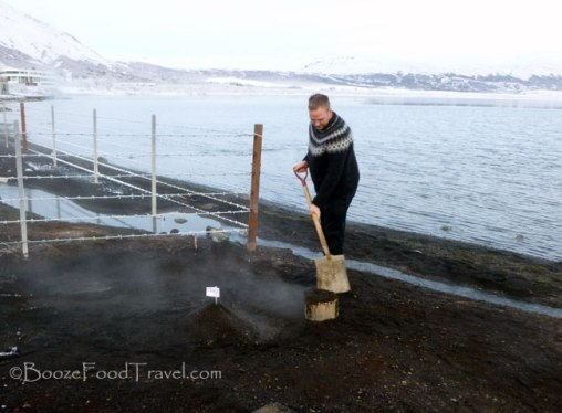 geothermal bread iceland