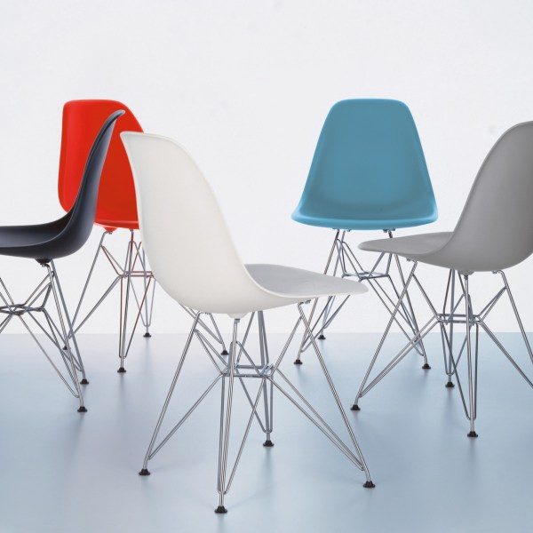 Eames Plastic Side Chair - DSR 3