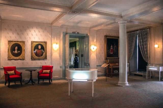 Queen Victoria, Albert, Kensington Palace, London, Royal Palace