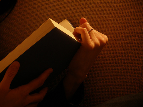 Grito saliente (Poesía)