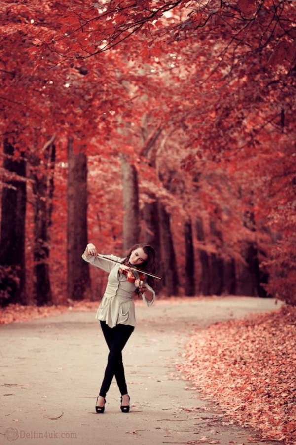 Playing In The Fall Wallpaper 40 Magical Fall Photography Ideas To Try This Year Bored Art