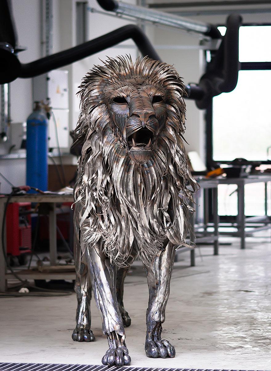 aslan-metal-lion-sculpture-selcuk-yilmaz-10
