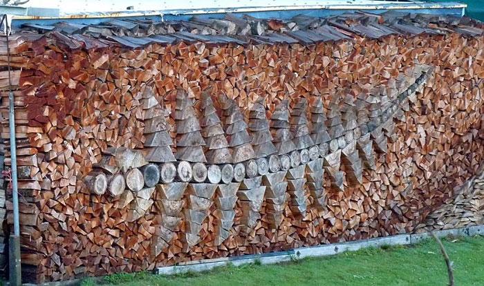 wood-pile-art-3