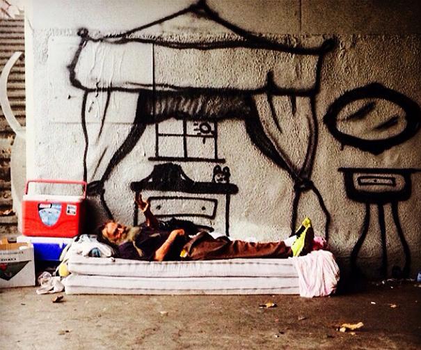 homeless-man-art-interactive-4