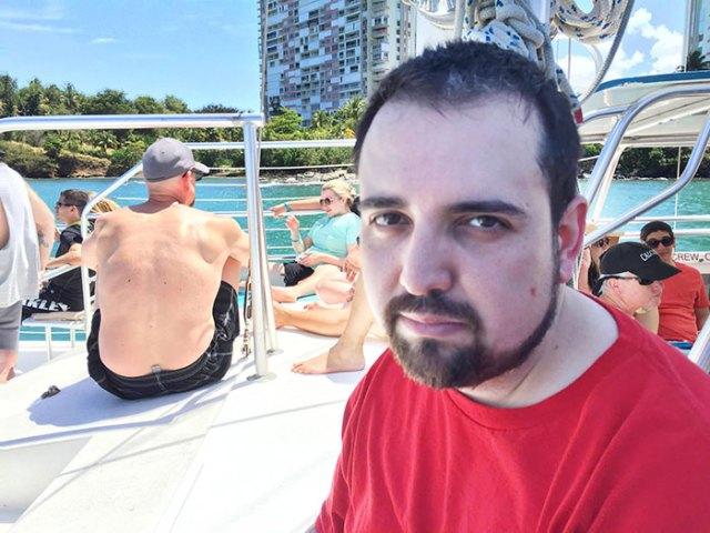 hombre-viaja-sin-esposa-no-tiene-diversion-en-puerto-rico (11)