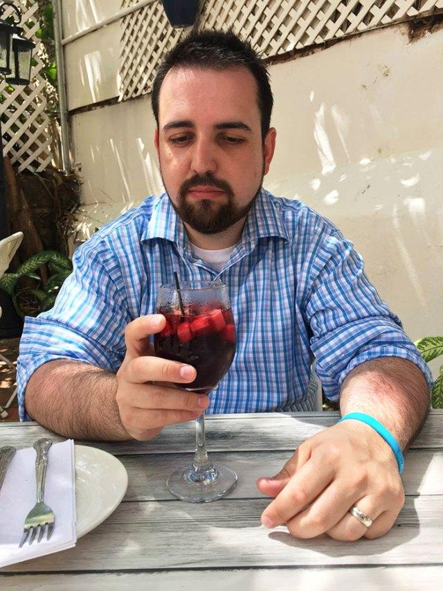 hombre-viaja-sin-esposa-no-tiene-diversion-en-puerto-rico (4)