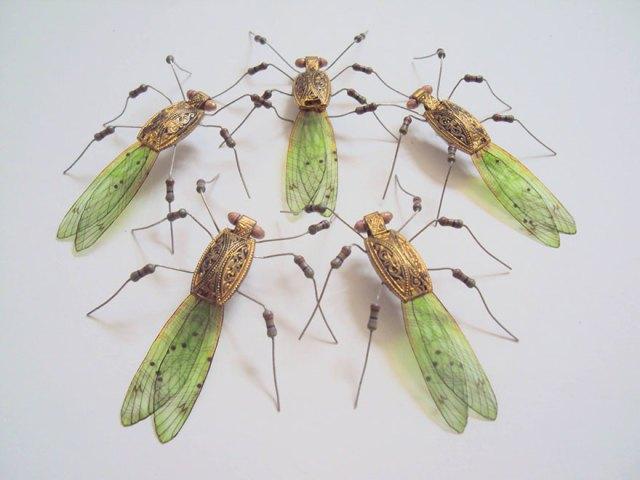 insectos-alados-componentes-electronicos-julie-alice-chappell (18)