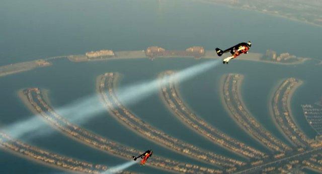 vuelo-mochila-cohete-yves-rossy-vince-reffet-dubai (2)