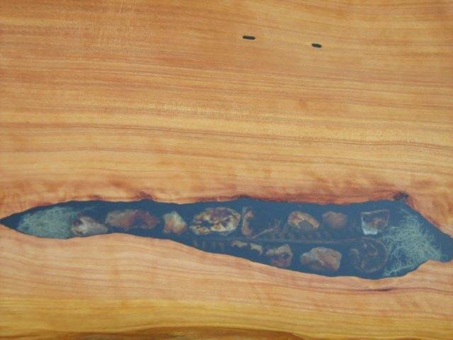 incrustaciones-transparentes-mesas-madera-wooden-by-design (5)