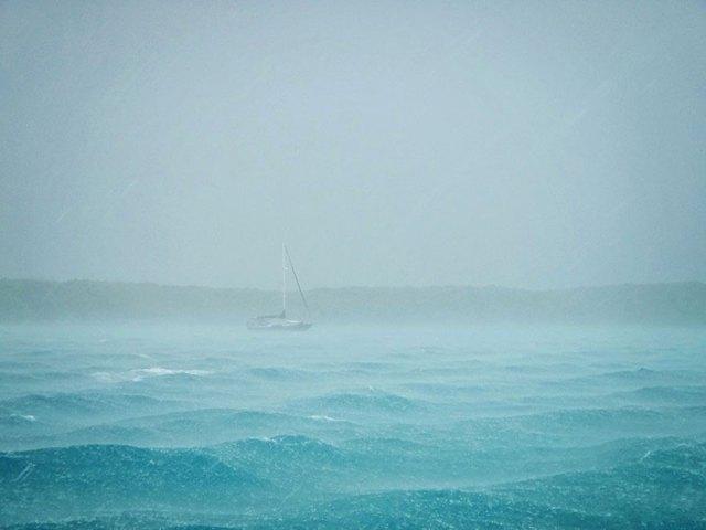pareja-viajes-mundo-barco-gato-matt-jessica-johnson (28)