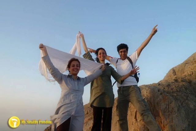 protesta-contra-velo-hijab-obligatorio-iran-masih-alinejad (14)