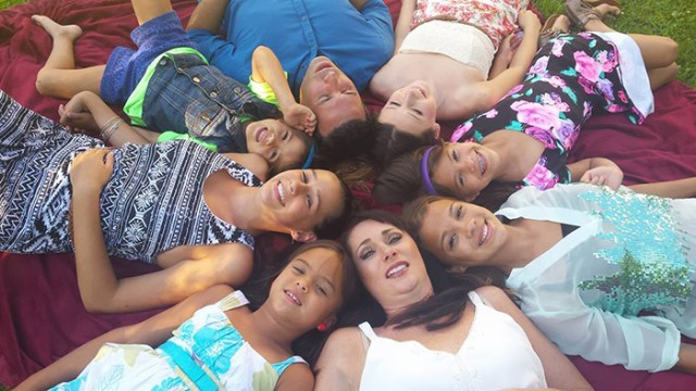 4-hijas-adoptadas-madre-fallecida-cancer-cerebral-elizabeth-diamond-laura-ruffino (5)