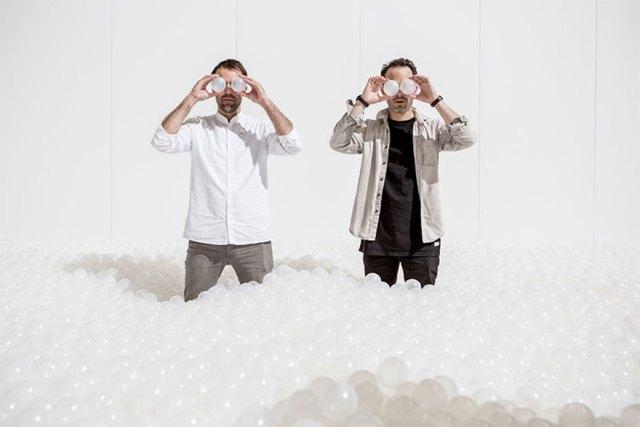 instalacion-playa-oceano-burbujas-plastico-snarkitecture-museo-nacional-construccion (6)