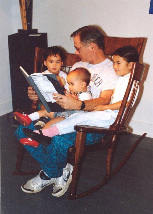 mecedora-artesana-leer-cuentos-hijos-hal-taylor (4)