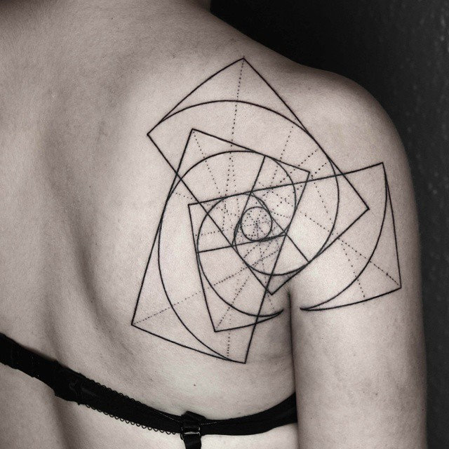 tatuajes-geometricos-minimalistas-okan-uckun (8)