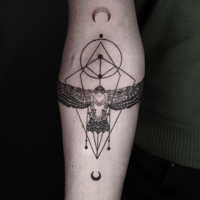 Tatuajes Geométricos Minimalistas Por El Tatuador Turco Okan Uçkun