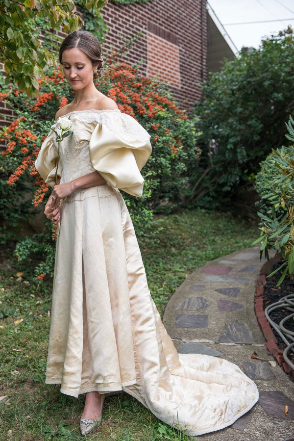 vestido-boda-120-anos-herencia-familiar-11-novia-abigail-kingston (5)
