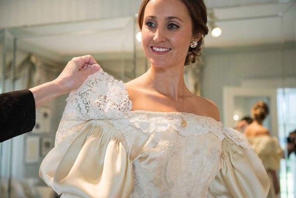 vestido-boda-120-anos-herencia-familiar-11-novia-abigail-kingston (9)