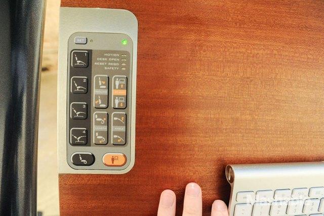 escritorio-ajustable-trabajar-ordenador-altwork-station (4)