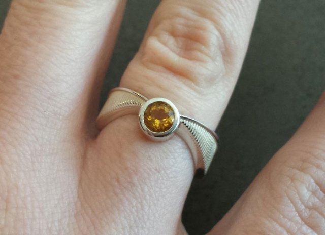 anillos-de-compromiso-con-cajitas-friki (4)