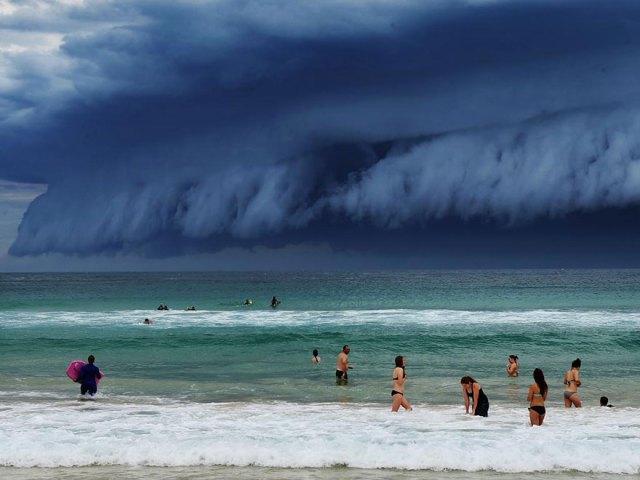 enorme-tsunami-nubes-sydney-australia (1)