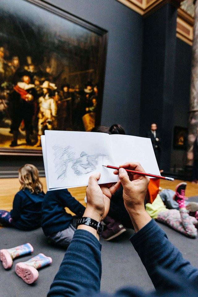 visitantes-museo-dibujos-obras-rijksmuseum-amsterdam (3)