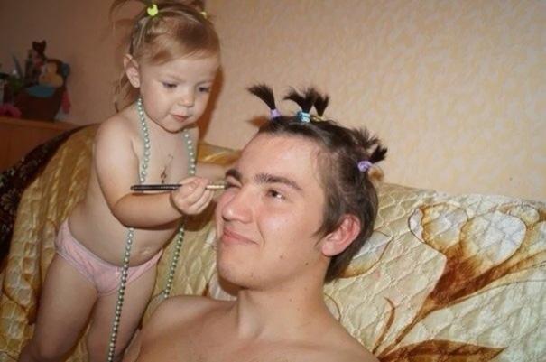 hijas-poniendo-guapos-papas (7)