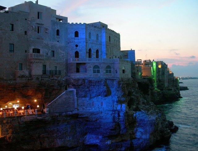 restaurante-cueva-grotta-palazzese-italia (8)