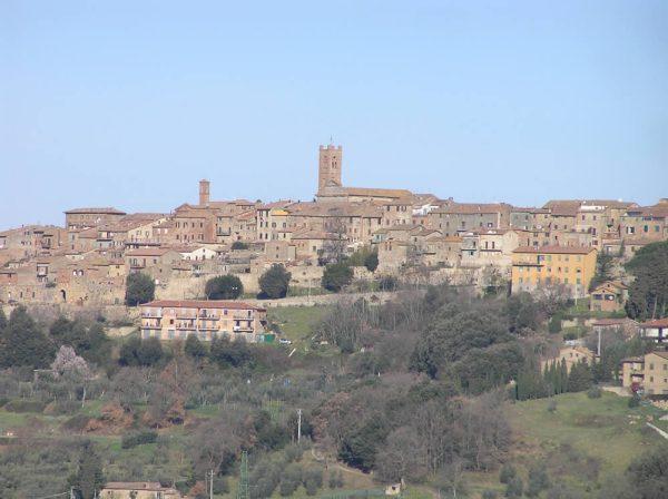 Radicondoli un borgo medievale che domina l39alta Val d