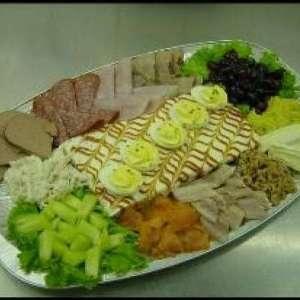 familiesalade vlees en vis